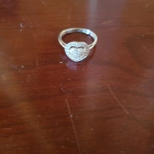 Jewelry - Beautiful heart ring
